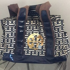 Super cute Tory Burch bag.